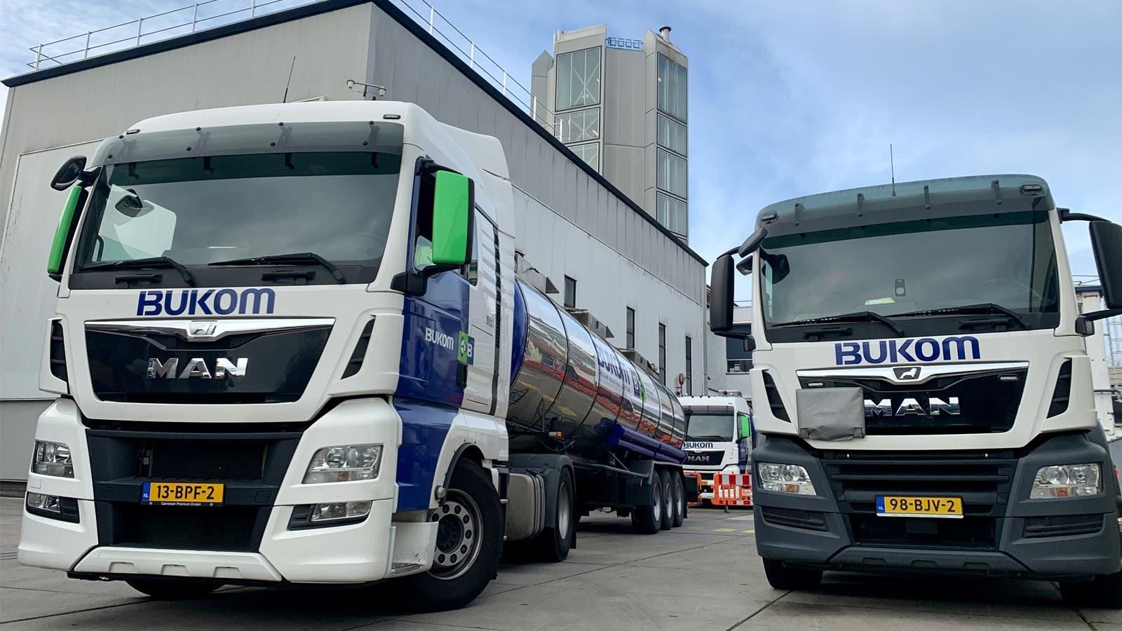 Bukom vrachtwagens op klus